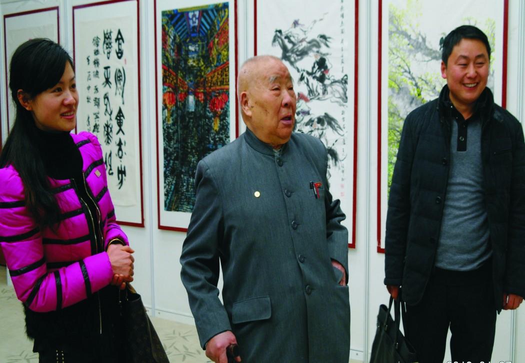 昊东食品董事长单浩东全家看望开国将军中国空军原副司令王定烈(时年97岁)