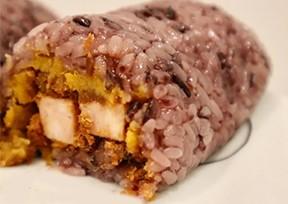 今日份早餐,超级简单咸蛋黄肉松粢饭团